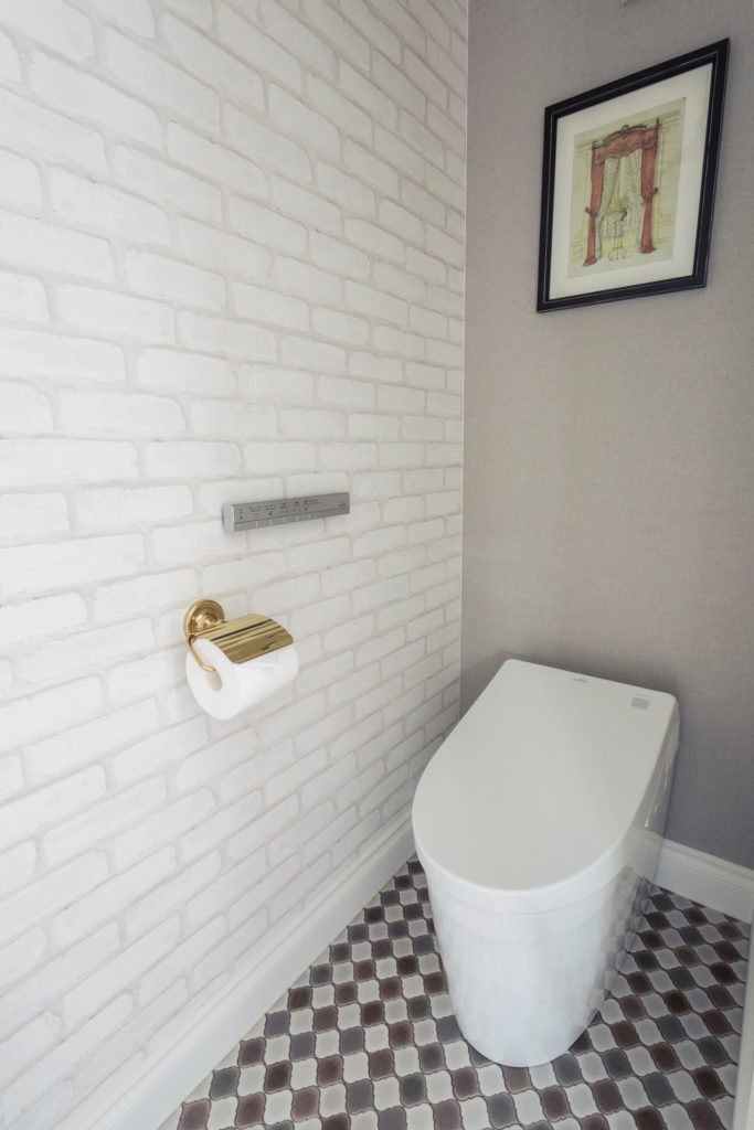 ニューヨークマンハッタンのビルトインガレージのトイレ